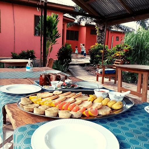 Ontbijt met ingrediënten uit eigen tuin