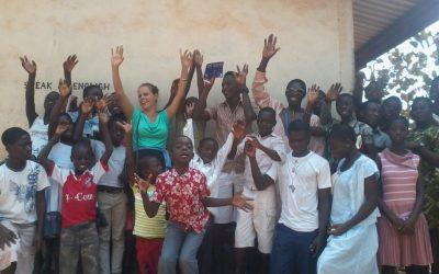 Is Vrijwilligerswerk in Afrika Nog van deze tijd?