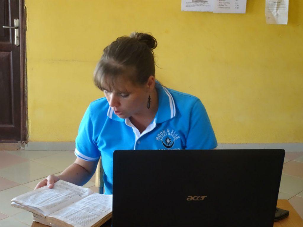 Patricia is een rondreis door Ghana aan het organiseren