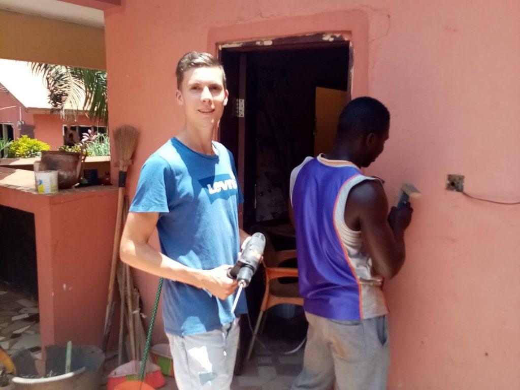 Stijn deed vrijwilligerswerk bij Banko women center in Ghana